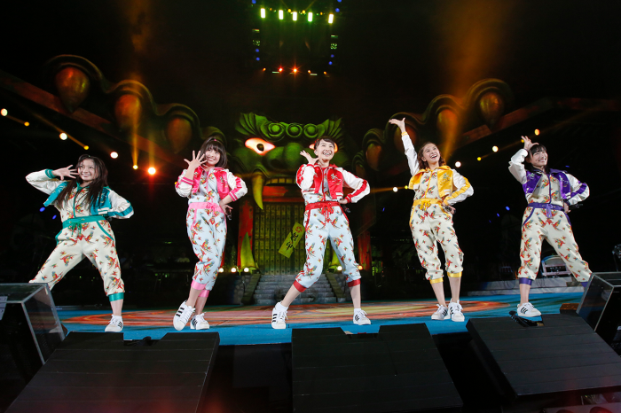 momoiro-clover-z-the-golden-history-review-fill1