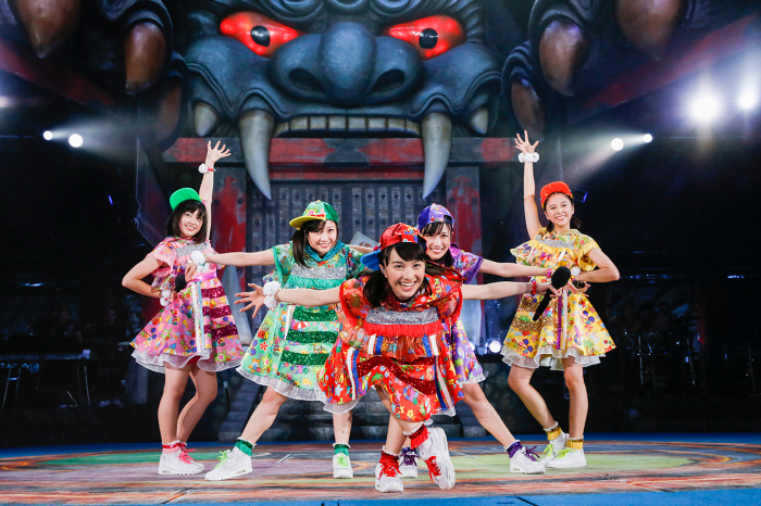 momoiro-clover-z-the-golden-history-review-fill3